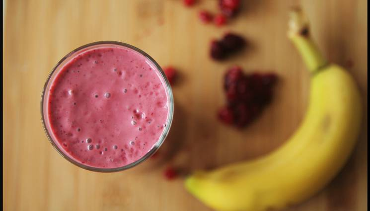 Smoothie rouge banane