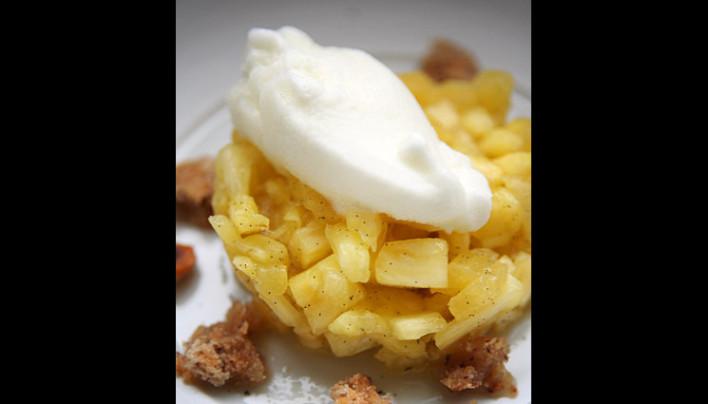 Tartare mi-cuit d'ananas à la vanille et son sorbet au citron vert