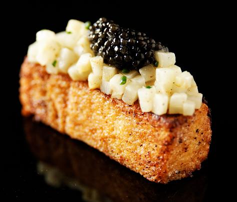 Pain perdu au corail d'oursin, céleri rave acidulé et caviar by Kaviari (Caviar Box)