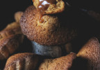 Madeleine au caramel et coeur coulant caramel beurre salé de C. Adam